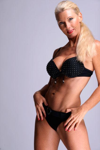 Striptease Stripshow Stripperin Stripper Erotik, Striptease Alto Adige Trentino Italia SPOGLIATORE/SPOGLIATRICE SPOGLIARELLISTA
